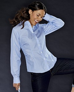 Van Heusen Ladies' Long-Sleeve Non-Iron Feather Stripe Shirt V0421